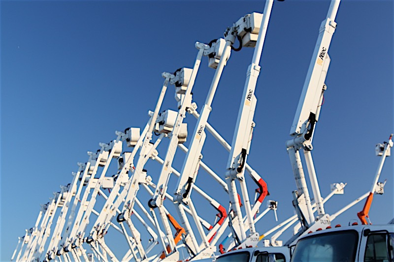 Used Lights & Signs Trucks For Sale